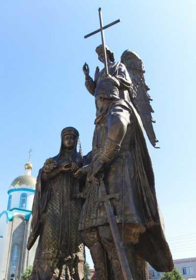 Скульптурная композиция «Святые благоверные Пётр и Феврония Муромские» в г.Краснодар