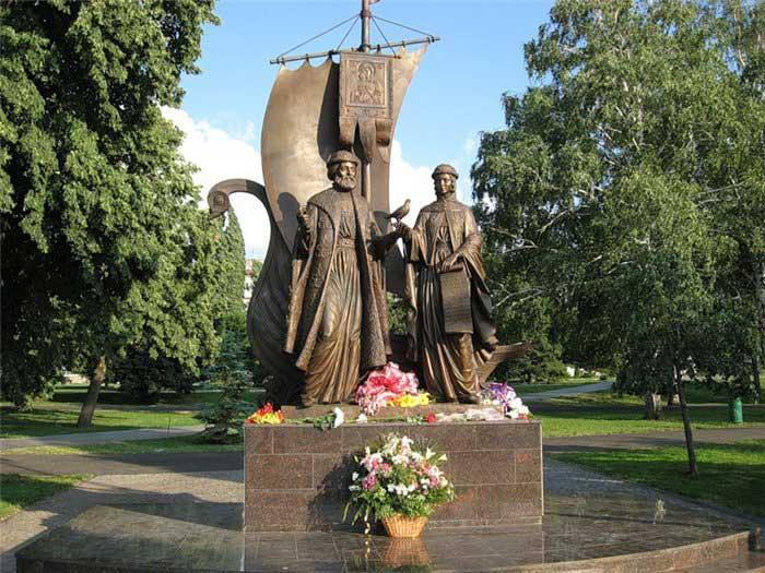 Скульптурная композиция «Святые благоверные Пётр и Феврония Муромские» в г.Самара