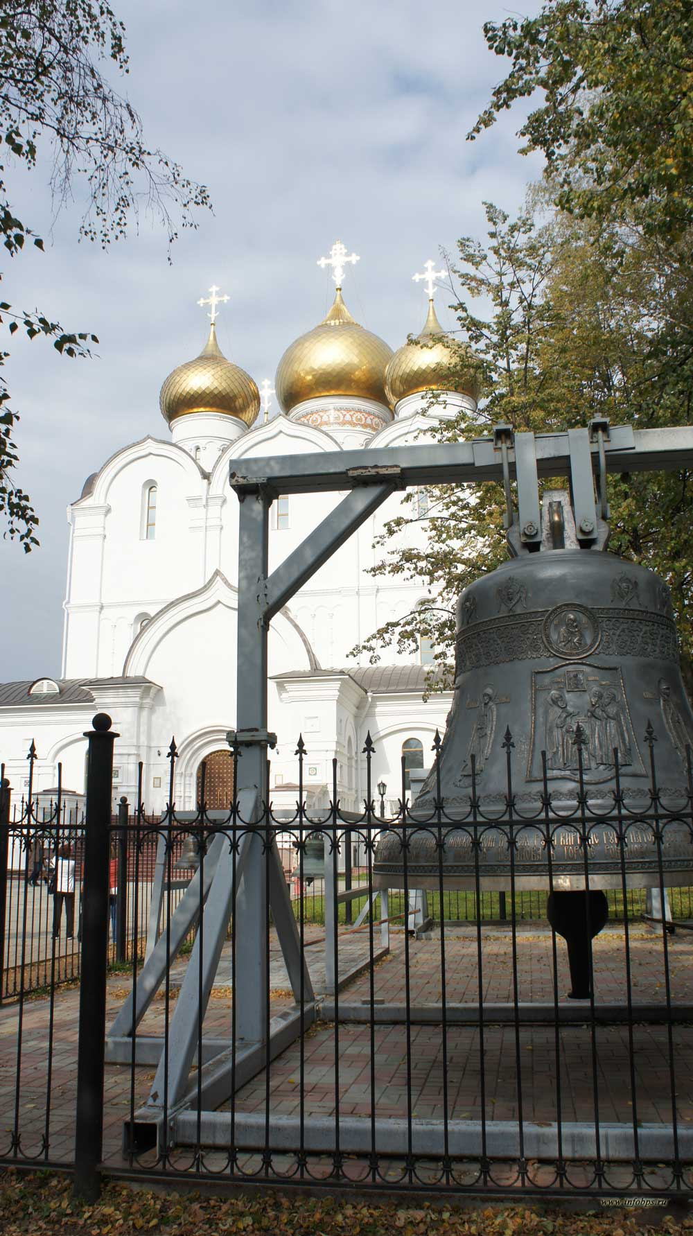 Успенский собор в Ярославле.