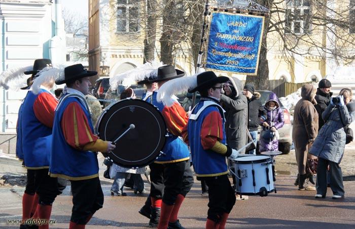Масленица 2013 в ярославле. В карнавале приняли участие гости из Германии, города побратима.