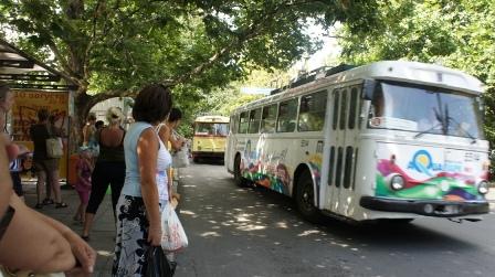 Ялта. Ретро троллейбусы и сегодня курсируют по улочкам Ялты