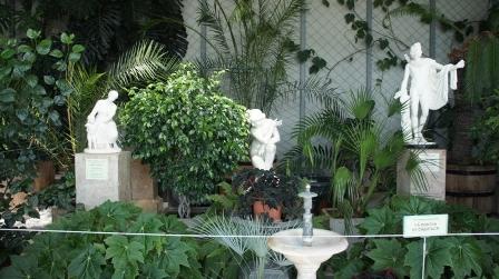 Алупка. Фото с экскурсии. Летний сад дворца.