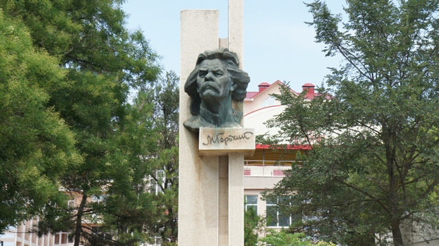Евпатория. Памятник М.Горький