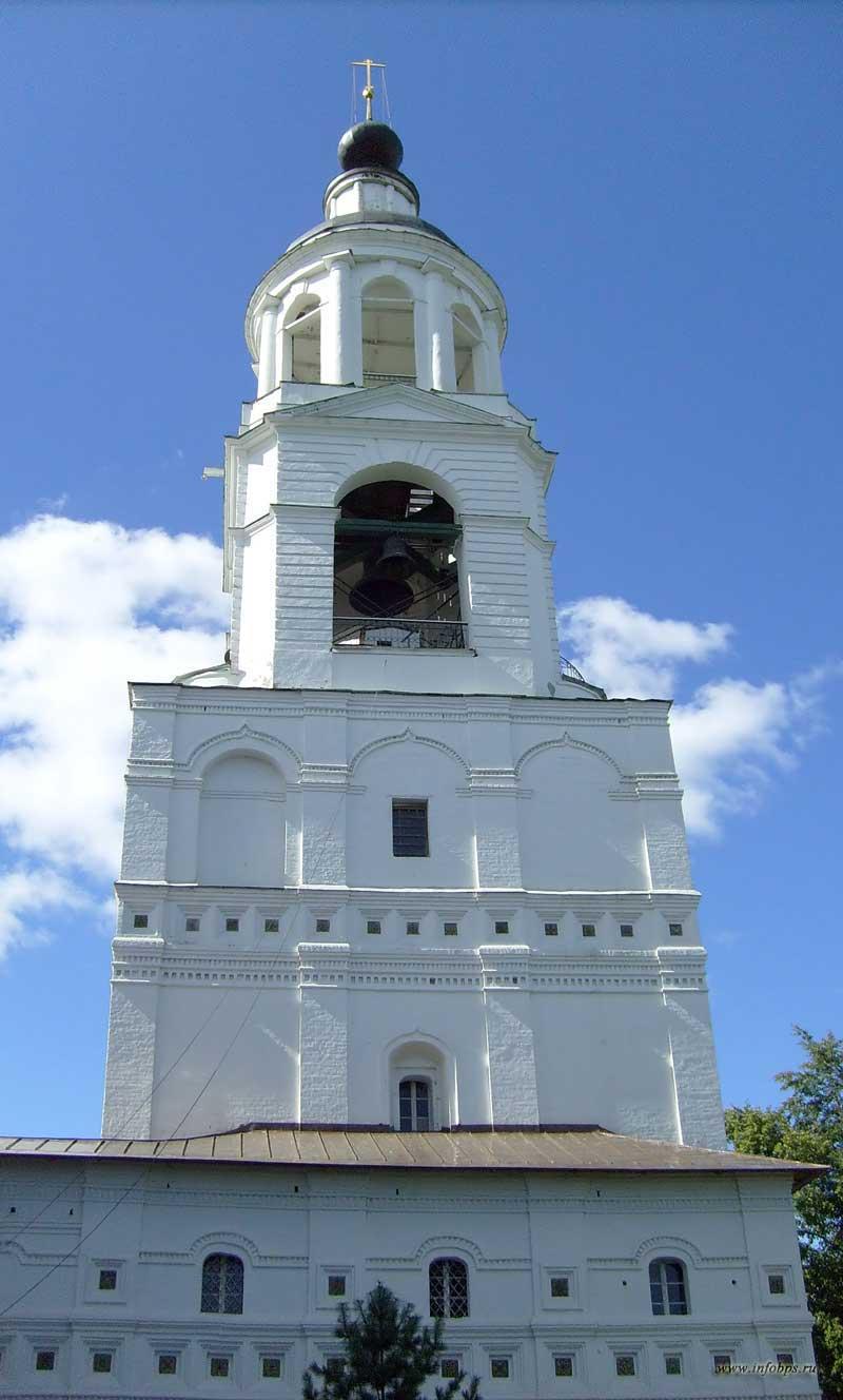 Колокольня Введенского собора